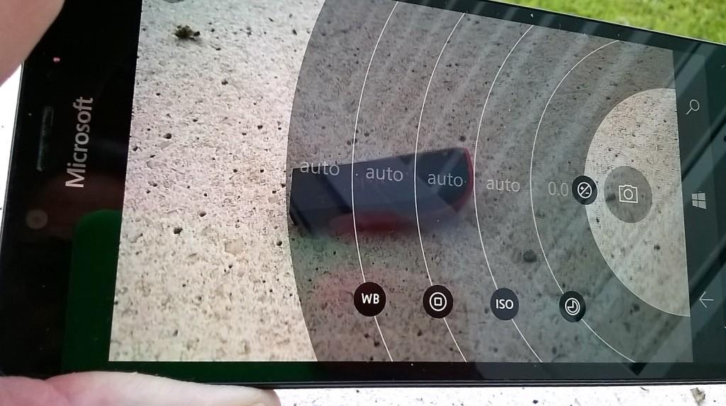 lumia950cam2